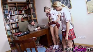 Teen babes Morgan Moon coupled with Mina Have a Threesome with Their Teacher