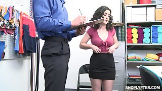 Lickerish office floosie Lyra Lockhart is eager to be fucked missionary on table