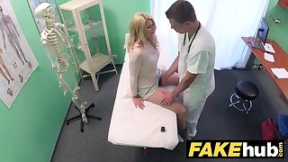 Fake Hospital Dirty doctor gives blonde Czech cosset wet pants