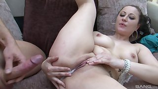 Explore a blowjob Lara Borehole Deene wants to get creamed pussy by her suitor