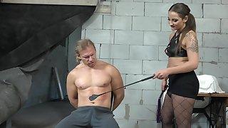 Median babe wants her male slave's Hawkshaw yon her ass