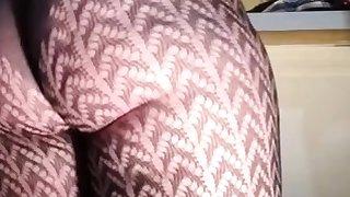 Busty Adriana nylon traduce masturbating through nylons