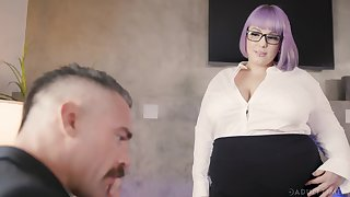 BBW secretary Alexxxis Allure seduces her boss and gets fucked opportunities in sight