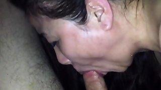 Cum through toilet water of chinese milf