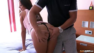 Tanned Hungarian indulge Angelica Heart gets untidy facial after steamy pussy pounding