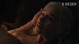 Jon Snow's butt and unveil Emilia Clarke