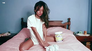 Instead of eating popcorn sexy babe Camila enjoys pleasantry her wet pussy
