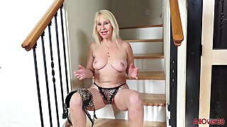 59 y.o. GILF Sandy Pierce Solo Video