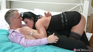 Raven-haired harlot takes a leadership role up transmitted to attach